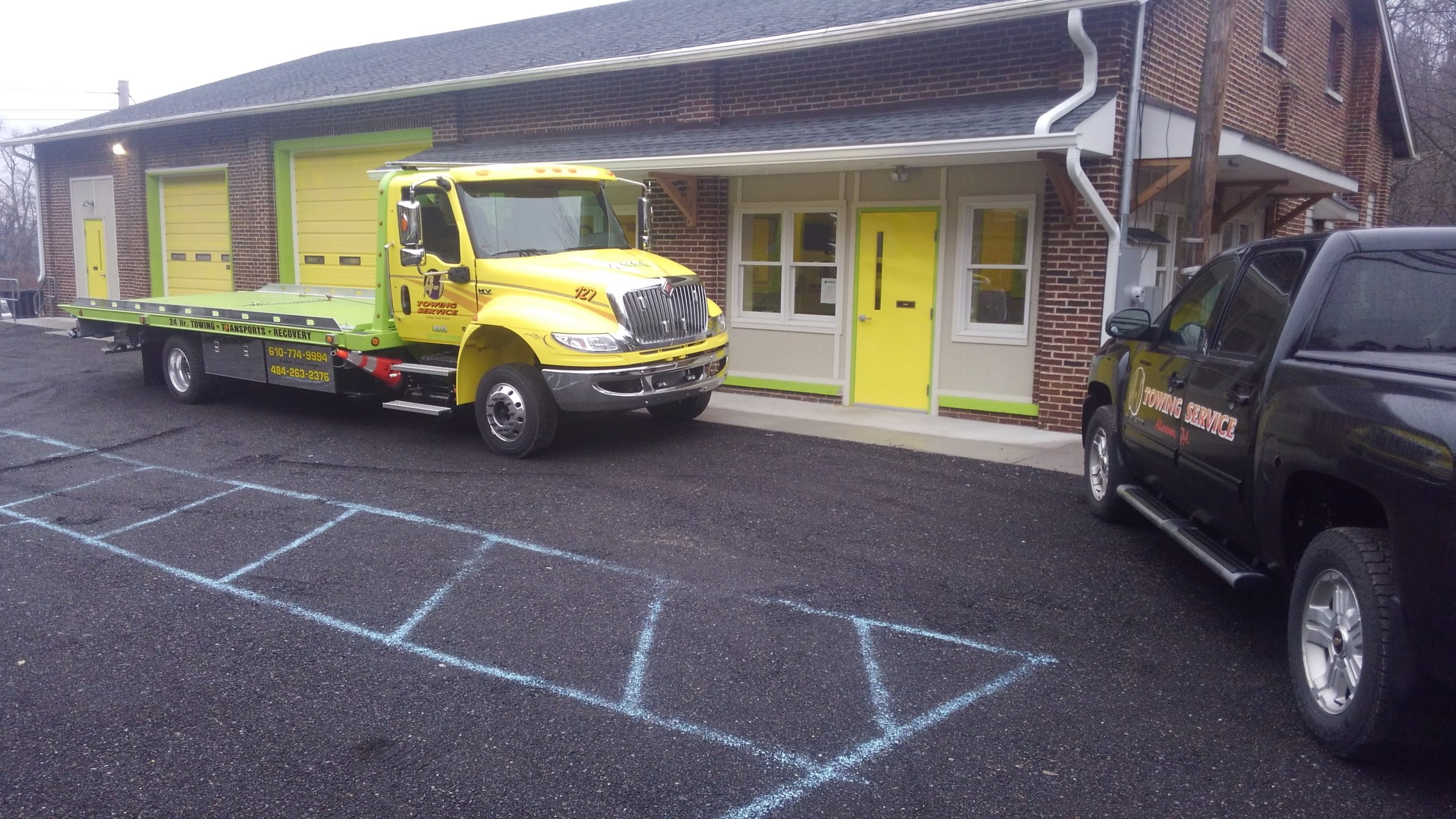 A1 yellow truck parked at A1 Slatington location